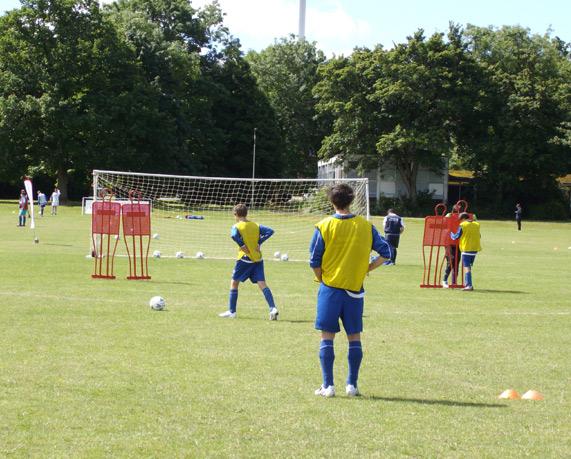 Fútbol e inglés jóvenes Inglaterra verano